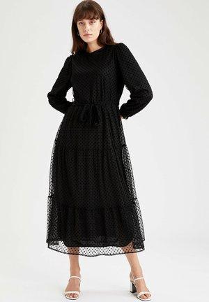 REGULAR FIT - Day dress - black