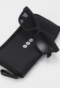 Komono - ROCCO - Sunglasses - carbon - 3