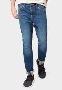 TOM TAILOR DENIM - CONROY TAPERED  - Jeans Tapered Fit - dark blue denim - 0