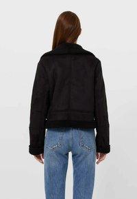 Stradivarius - Light jacket - black - 1