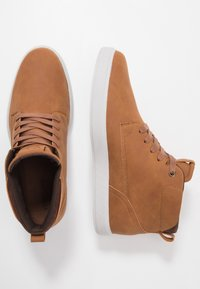 YOURTURN - Höga sneakers - cognac - 1