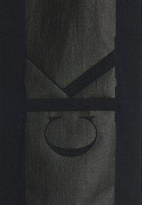 Calvin Klein Jeans - LOGO ZIP THROUGH - Summer jacket - black - 2