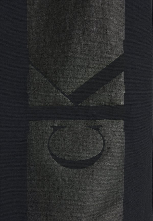 Calvin Klein Jeans LOGO ZIP THROUGH - Kurtka wiosenna - black/czarny Odzież Męska SSUT