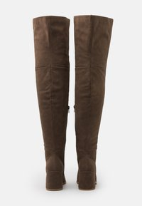 Missguided - LOW BLOCK HEEL BOOTS - Over-the-knee boots - mink - 3