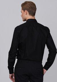 Basics and More - Camicia elegante - black - 1