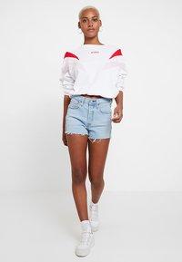 Levi's® - FLORENCE CREW - Sweatshirt - white - 1