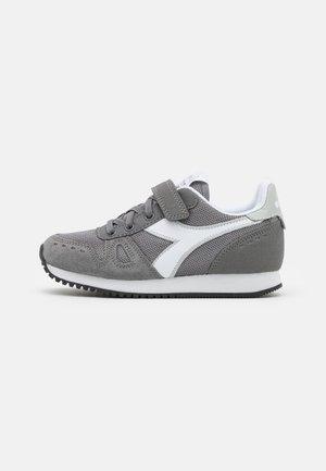 SIMPLE RUN UNISEX - Zapatillas de entrenamiento - steel gray