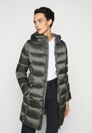 Abrigo de plumas - matcha/dark steel