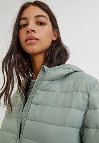 PULL&BEAR - Winter jacket - light green - 7