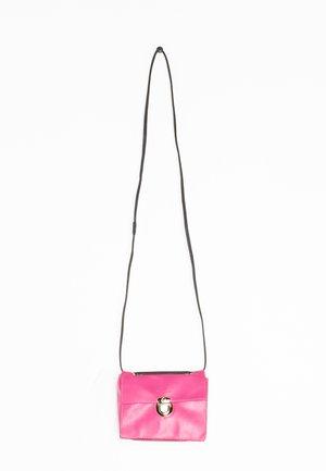 Pochette - pink
