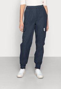 esmé studios - BROOKE CARGO PANTS - Cargo trousers - dark sapphire - 0