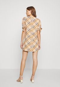 DAY Birger et Mikkelsen - TOMORROW - Shift dress - ivory/shade - 2