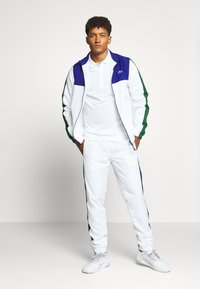 Lacoste Sport - TENNIS TRACKSUIT - Survêtement - cosmic/white/green - 0