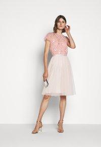Needle & Thread - ASHLEY EXCLUSIVE - Blus - desert pink - 1