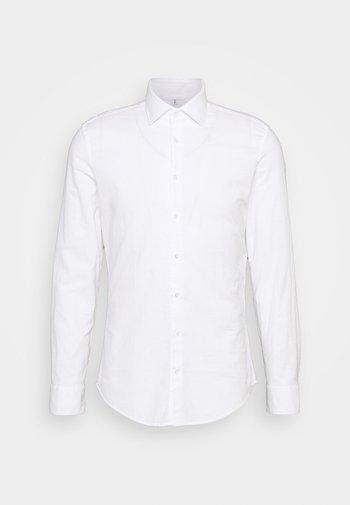 LIGHT KENT - Formální košile - weiß