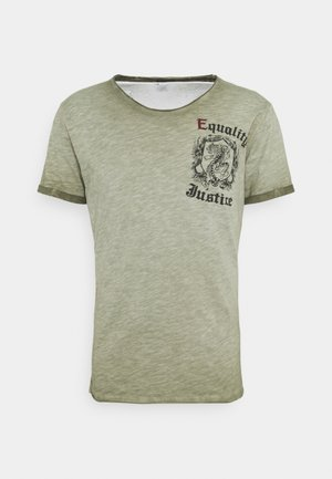 JUSTICE ROUND - T-shirt con stampa - green