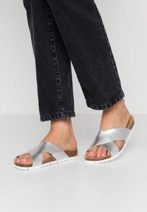 ONLMADISON SLIP ON - Slippers - silver