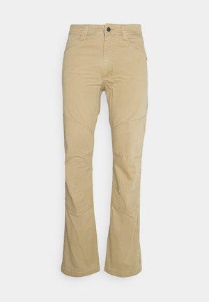 ALL TERRAIN GEAR REINFORCED UTILITY PANT - Spodnie materiałowe - kelp