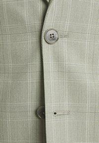 Viggo - SVENSKT SLIM SUIT - Suit - light grey - 10