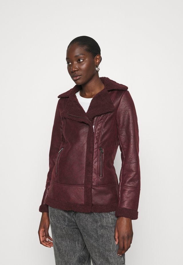 COATED SHEARLING AVIATOR JACKET - Light jacket - burgundy