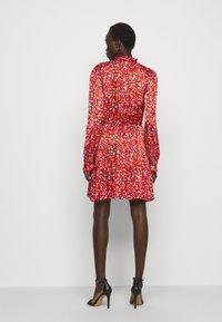 Pinko - NOMADE ABITO CLOQUE FIORELLINO - Day dress - red - 2