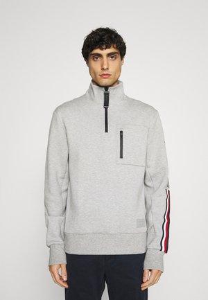 SLEEVE LOGO ZIP MOCK NECK - Sweatshirt - medium grey heather
