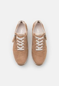 Gabor Comfort - Sneakers laag - sand/platino - 5