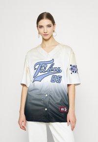 FUBU - VARSITY BASEBALL GRADIENT - Print T-shirt - beige - 0