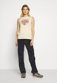 Patagonia - ROOT REVOLUTION MUSCLE TEE - Toppe - vela peach - 1