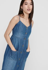 JDY - Robe en jean - medium blue denim - 3
