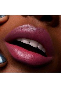 MAC - LOVE ME LIPSTICK - Lipstick - mon coeur - 4