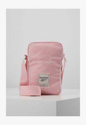 CITY BAG - Olkalaukku - pink