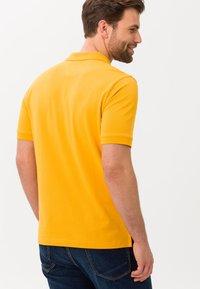 BRAX - STYLE PETE - Polo shirt - honey - 2