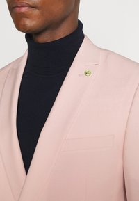 Twisted Tailor - SALSBURY SUIT - Kostym - pale dogwood - 7