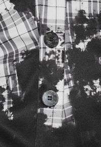 Jaded London - BUTTON FRONT SUIT SKIRT BLEACH CHECK - Mini skirt - multi - 5