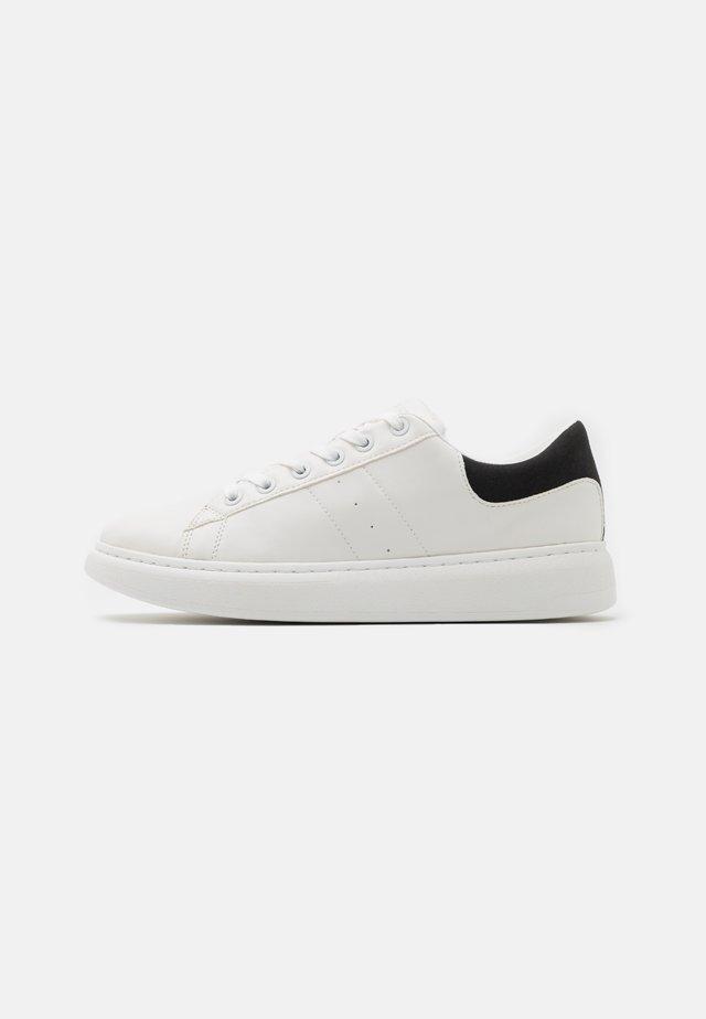 JFWLIAM - Sneakers laag - white