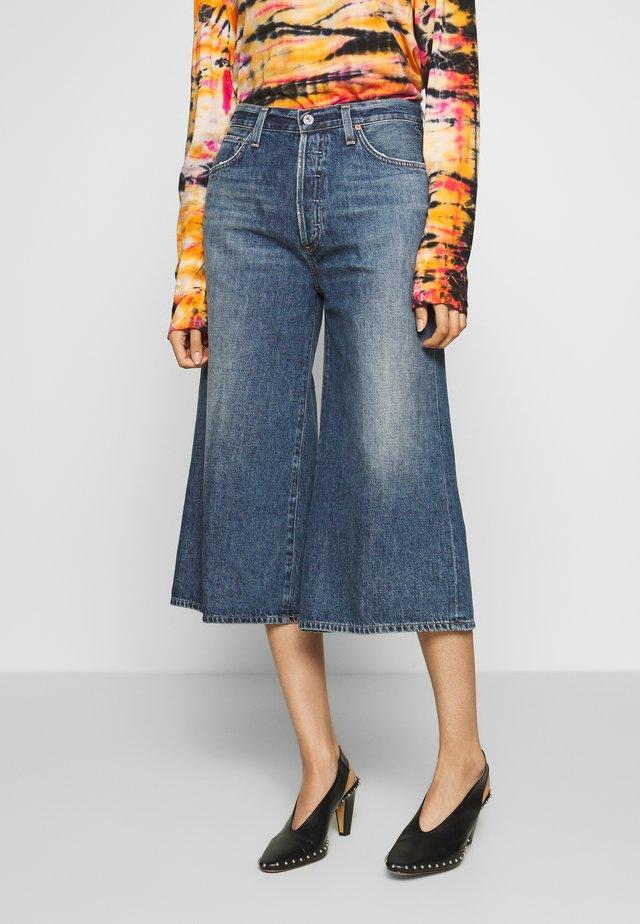 EMILY CULOTTE - Szorty jeansowe - dark-blue denim