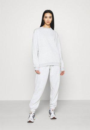 SET - Collegepaita - grey