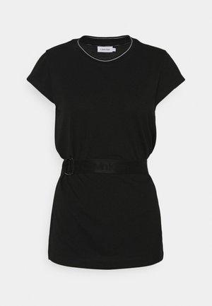 CAP SLEEVE BELTED - Basic T-shirt - black