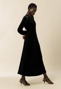 IVY & OAK - AUCUBA - Suknia balowa - black - 2