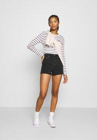 Levi's® - RIBCAGE - Denim shorts - black bayou - 1