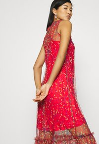 Who What Wear - THE DRESS - Maxi dress - confetti red - 5