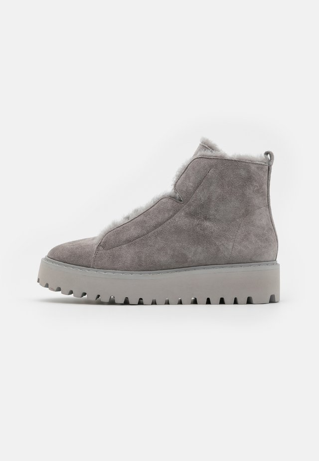 HIKE - Ankle boot - stone/grau