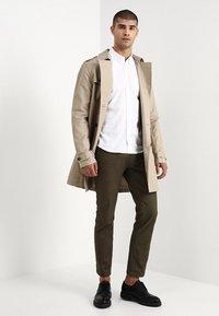 Burton Menswear London - OXFORD      - Košile - white - 1