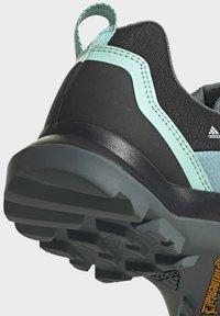 adidas Performance - TERREX AX3 WANDERSCHUH - Fjellsko - grey - 11