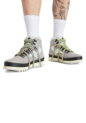 VIBRAM HIKER - High-top trainers - griffin