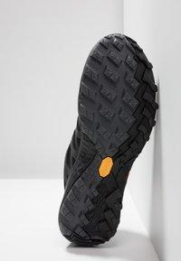 Merrell - SIREN 3 GTX - Outdoorschoenen - black - 4