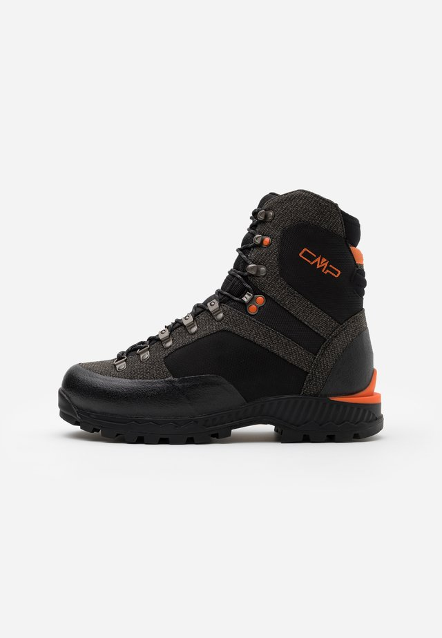 ST 4000 TREKKING SHOE WP - Obuwie hikingowe - nero/orange fluo