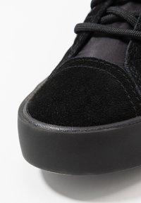 Diesel - S-DVELOWS MID - Sneakers high - black - 6