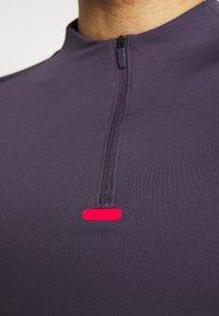 Nike Performance - Sports shirt - dark raisin/black/siren red - 5